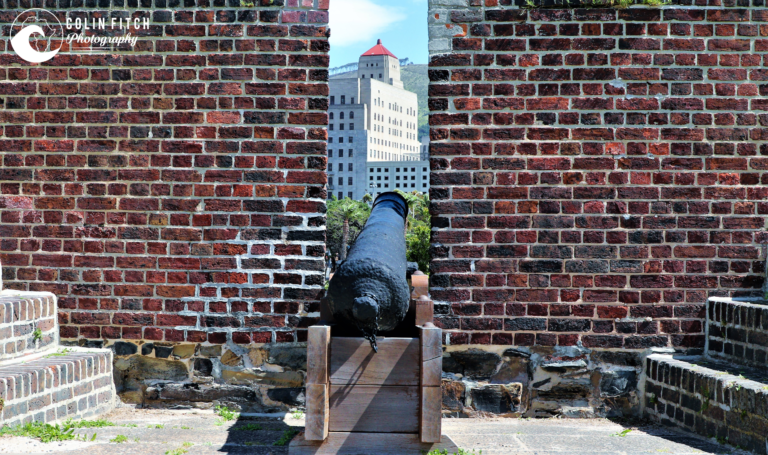 The canon facing Cape Town at the castle.