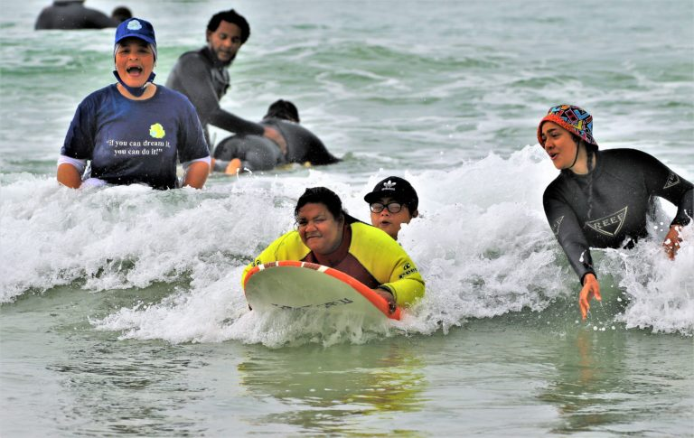 A day with the Down Syndrome kids and surfing